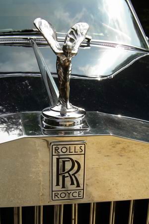 Rolls Royce on gmc logo